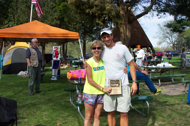 Jane Moser Cox with race director Andy Weinberg