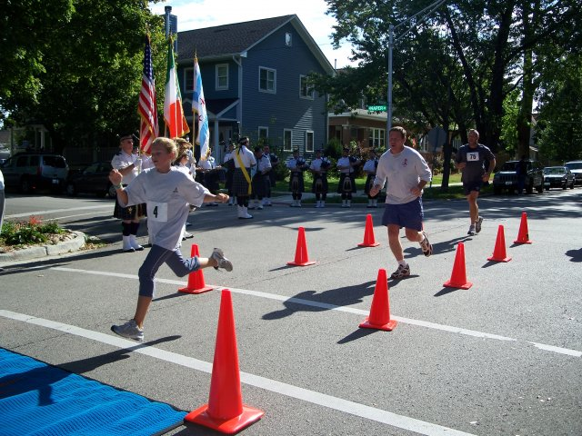 Sunday September 19, 2010 : Action at the Finish Line