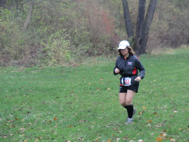 After one lap Julie Branden makes a quick trunaround & heads back out on the Paleo-Carb 50-Km trail