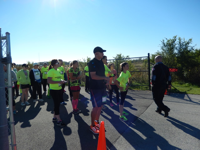 Pre-race Ceremony and Runner Line-up : Sunday October 12, 2014